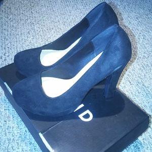 Torrid black platform block heel/pump size 8 wides